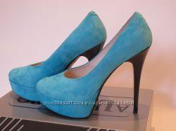 Красивенные новые кожанные туфли 37-38р, почти даром