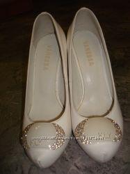 Свадебные туфли 35 р.