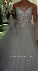 Свадебное платье, размер 44-46.