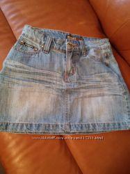 Юбка джинсовая с вышивкой.