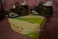 Продам детские босоножки PANDA