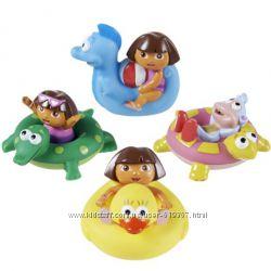 Игрушки для ванной из мультика о Даше-путешественнице.