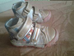 Ботинки для мальчика размер 21, 22 BARTEK, новые