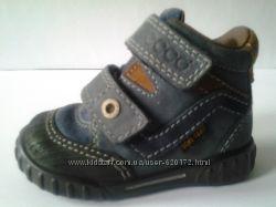 Ботинки для мальчика деми  р. 19 ecco практически новые