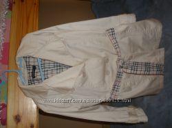 Елегантна курточка для дівчинки