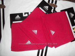Шарф малиновый Adidas Ess Corp Scarf Оригинал Распродажа