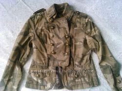 Куртка-пиджак в стиле миллитари