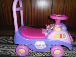 Машина-толкачка KIDDIELAND для маленькой принцессы