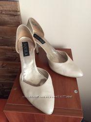 Туфли полуоткрытые. Кожа. 39 размер.