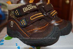 Утеплённые ботиночки BLOOMS KIDS р. 21 по стельке 13см, состояние новых