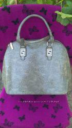 Красивая и стильная сумка BONILARTI