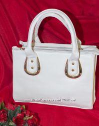 шикарная брендовая сумка . белый и черный цвета