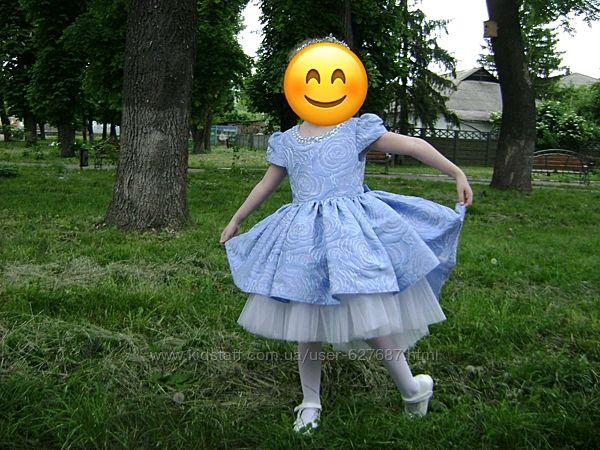 Святкова сукня на 4-6 років жакард