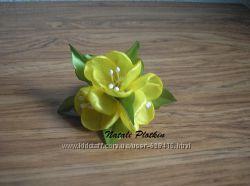 Цветочные резинки, цветы в прическе