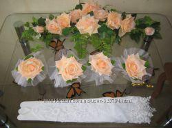 Свадебные украшения для машины на капот и на ручки дверей.