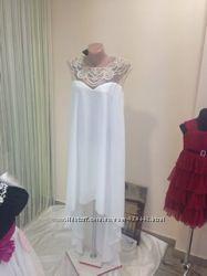 Продам очень красивое и нежное свадебное, вечернее платье