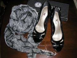 Нарядные  новые туфли