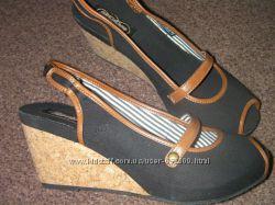 Новые босоножки Skechers-27 см