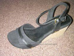 Новые босоножки Skechers