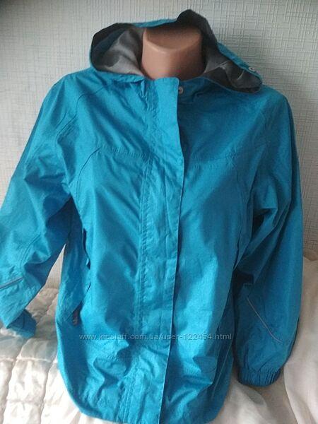 Куртка-ветровка рост 152см
