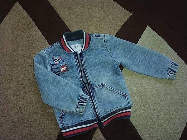 Стильная джинсовая куртка-бомбер для мальчика