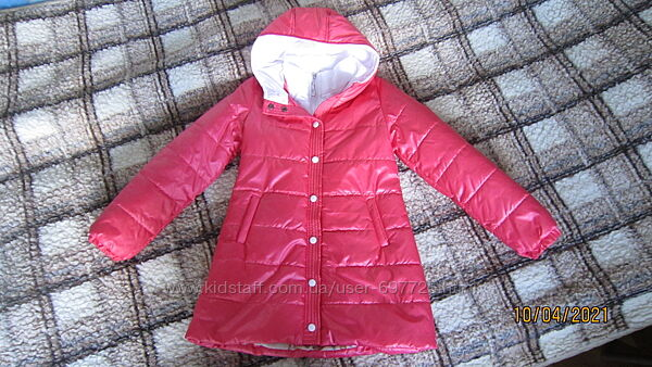 Для девочки красивая куртка деми коралл sofia shelest р.140