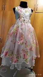 Праздничное платье  на девочку 4-7 лет