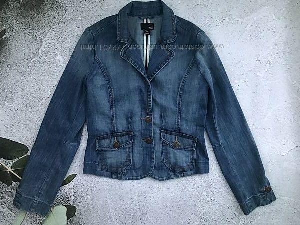 Модный укороченный джинсовый, приталеный блейзер пиджак от H&M. 38 евро