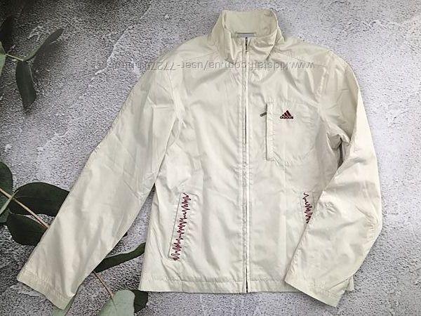 Модная куртка ветровка, молочного цвета Adidas. 38 евро