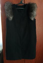 Женское пальто с натуральным мехом
