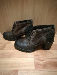 Теплі зручні шкіряні черевики, розмір 40 устілка 26 см