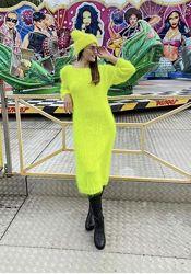 Вязаное длинное платье из мохера Ангора тёплое неон яркое ручная работа