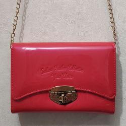 Распродажа Лаковая сумочка клатч на цепочке в ярко-розово-персиковом цвете