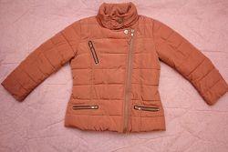 Продам демисезонную курточку фирмы Next на девочку