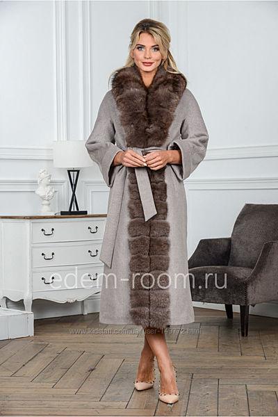 Женское зимнее пальто удлиненное с натуральным мехом