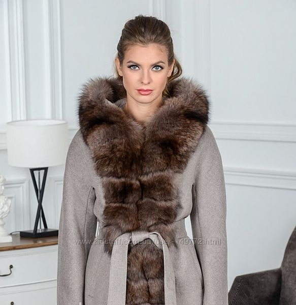 Зимнее женское шерстяное пальто с натуральным мехом