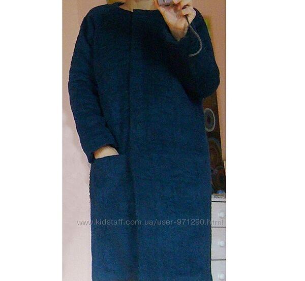 Пальто утепленное из итальянской шерсти.