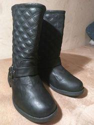 Новые кожаные сапоги. Стелька 23 см. Заберайте.