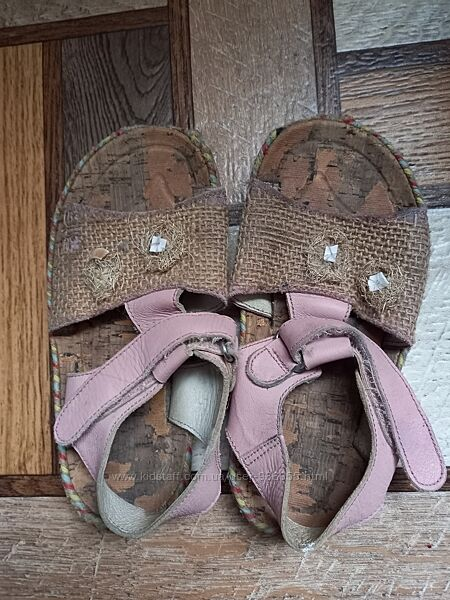 Кожаные сандалики Chicco на 19-19,5 см. ,вьетнамки в подарок