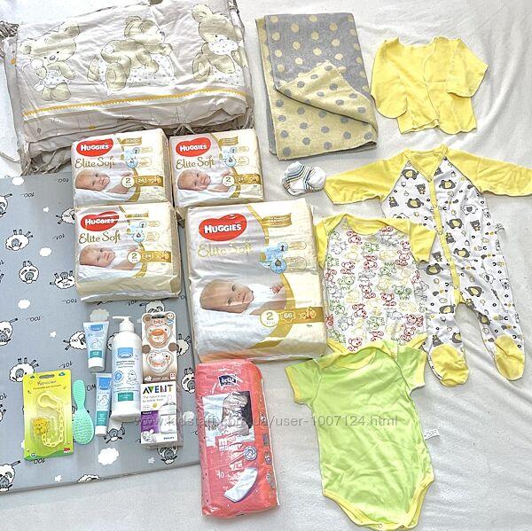 Набор необходимых вещей для новорождённого ребёнка и мамы