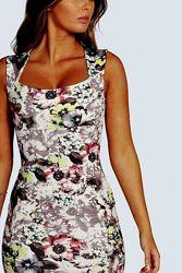 Новое красивейшее платье футляр с цветочным принтом