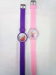 Очень красочные детские часы Барби