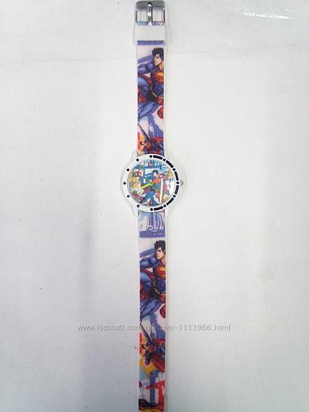 Очень красочные детские часы Supermanсупермэн