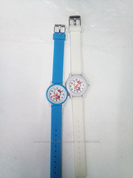 Очень красочные детские часы Hello Kitty