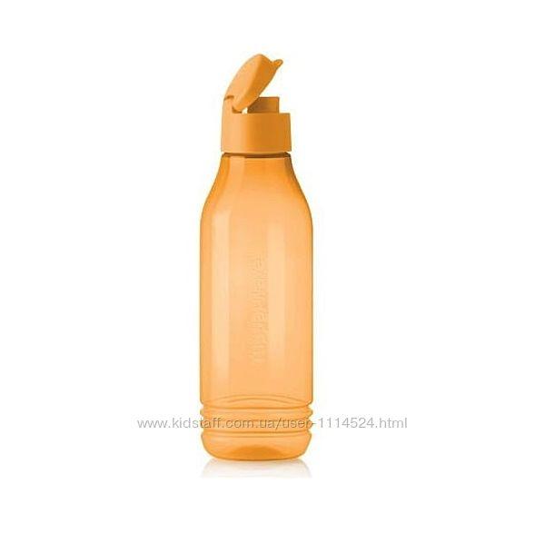 Эко-бутылка треугольная Tupperware 0,75 л в оранжевом цвете с клапаном