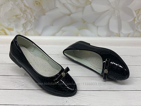 Туфли для девочки р-ры 33,34