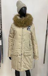 Теплая стильная зимняя куртка парка пуховик