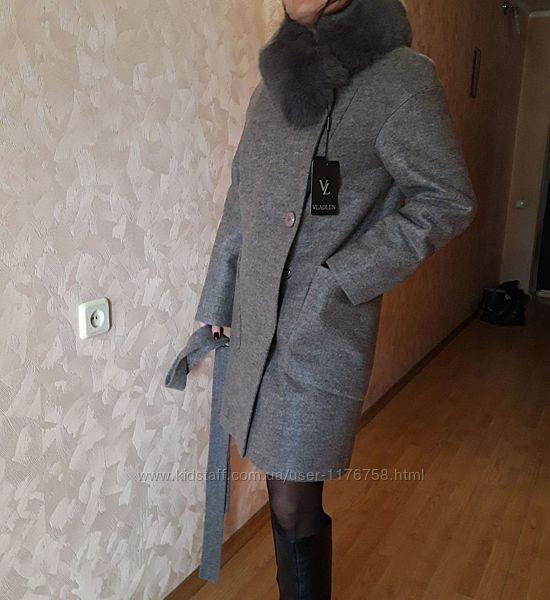 Шерстяное пальто с натуральным мехом р. с-м