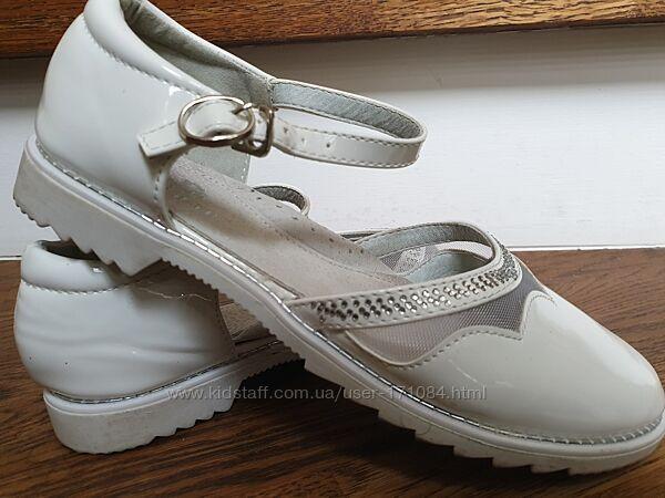Туфли праздничные белые р.34