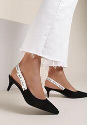 Новые туфли босоножки лодочки на маленьком каблуке с закрытым носком 40-41р